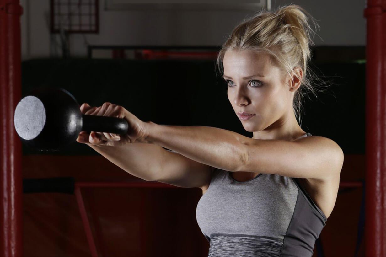 Marathon-Fitness-Women-weights-girl-kettlebell