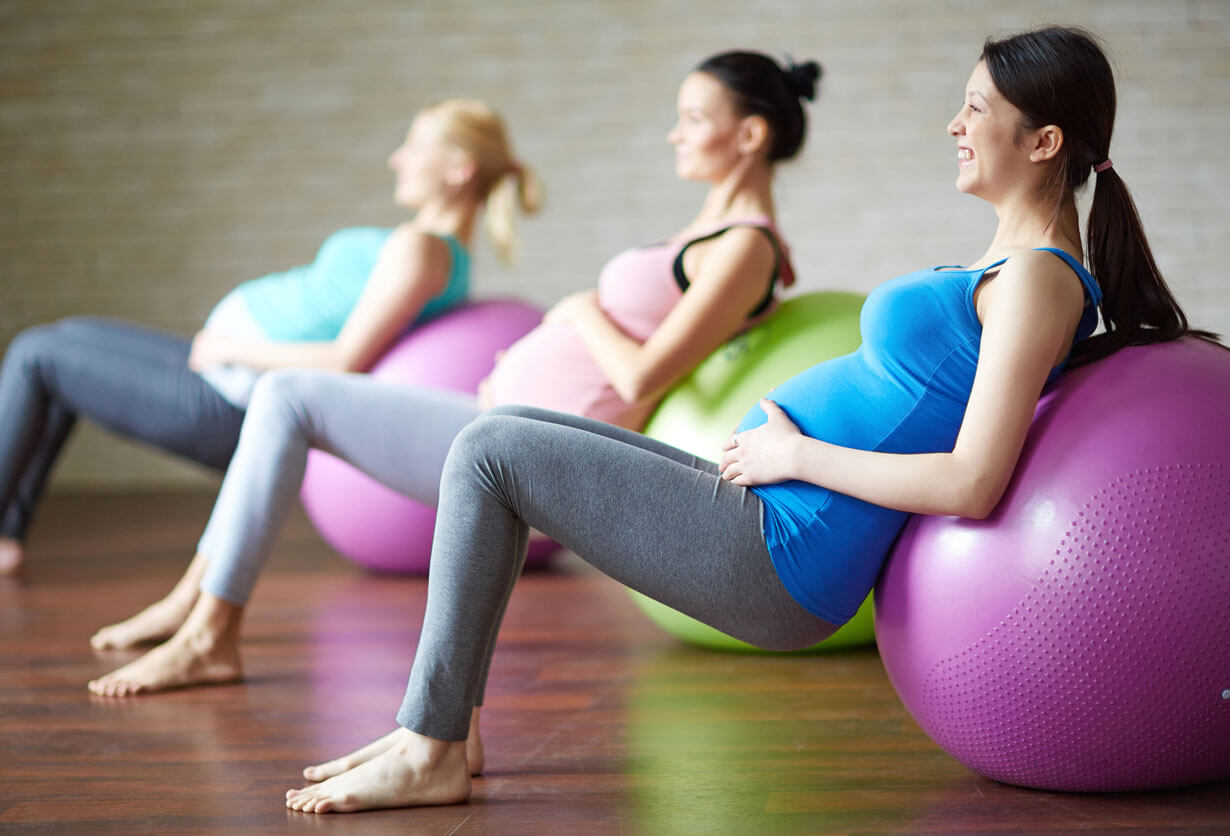 Blog-Marathon-Fitness-prenatal-class-with-ball