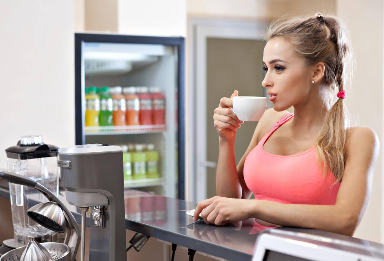 Marathon-Fitness-blog-women-drinking