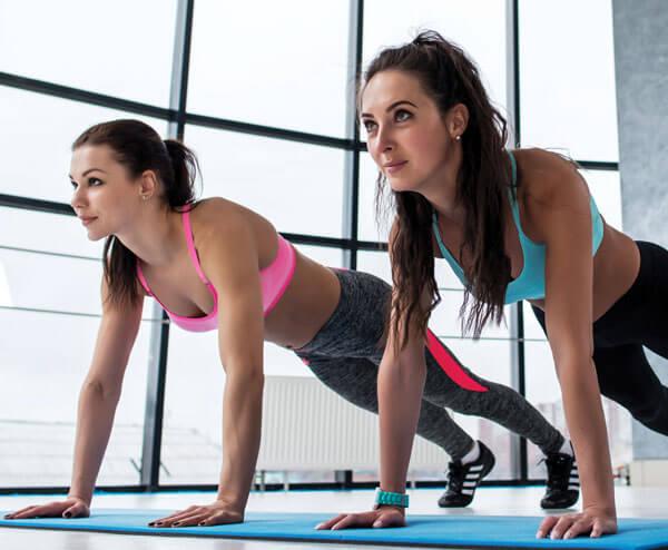 Marathon-Fitness-women-pilates-class