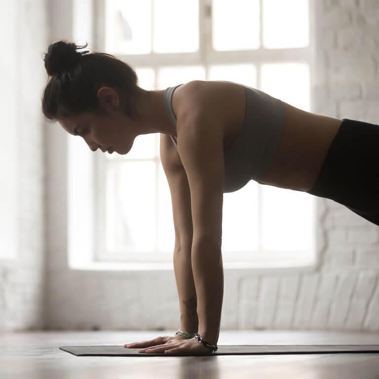Marathon-Fitness-women-pilates-class-A