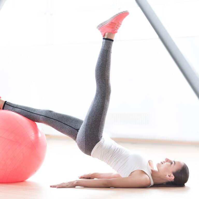Marathon-Fitness-women-pilates-class-C
